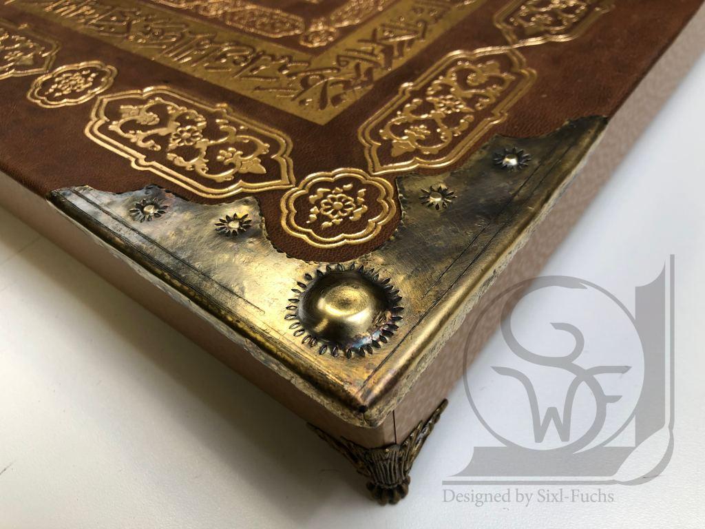 Beschläge Buch Sixl
